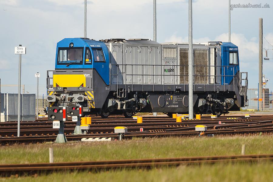 JADEWESERPORT: Vossloh Diesellok vom Typ G 2000 BB mit asymmetrischem Führerhaus