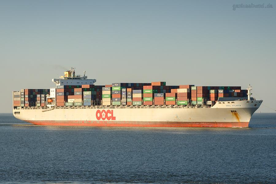 Erstanlauf JadeWeserPort: Containerschiff OOCL ATLANTA (L 323 m)