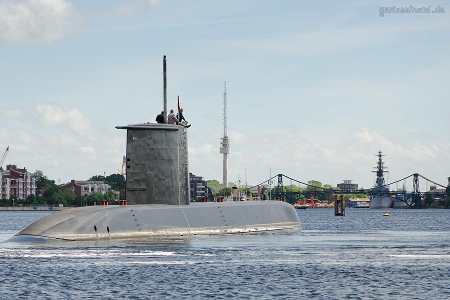 Entmagnetisierungsschleife Wilhelmshaven: U-Boot-Neubau S42 im Großen Hafen