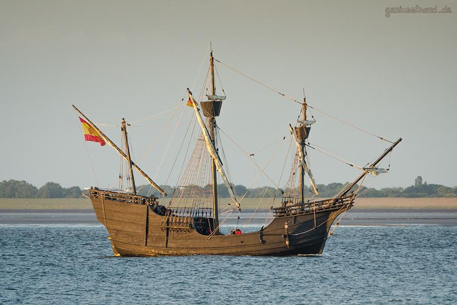 WILHELMSHAVEN: Historischer Schiffstyp NAO VICTORIA (L 28 m) auf der Jade