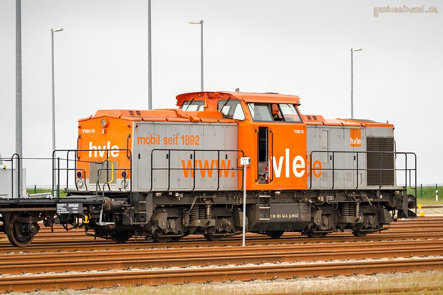 JADEWESERPORT: Diesellok (203 142-5) der havelländischen Eisenbahn AG