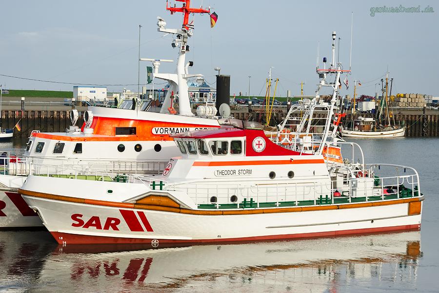 HOOKSIEL AUSSENHAFEN: Seenotrettungskreuzer THEODOR STORM (20-Meter-Klasse) der DGzRS