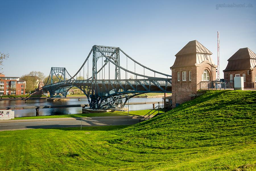 WILHELMSHAVEN SÜDSTRAND: Die Kaiser-Wilhelm-Brücke im Morgenlicht