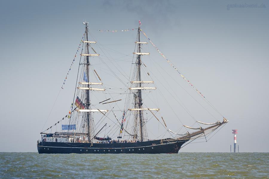 WILHELMSHAVEN: Segelschulschiff ROALD AMUNDSEN (L 50 m), High Seas High School