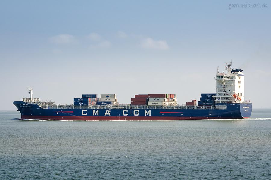 Erstmalig war das Containerschiff CMA CGM PREGOLIA (L 195 m) am JADEWESERPORT