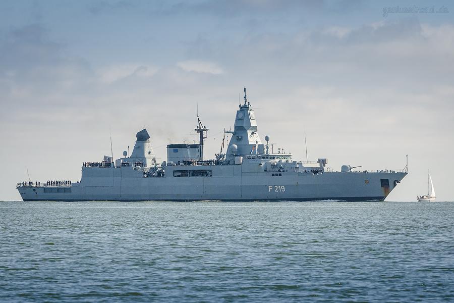 MARINESTÜTZPUNKT WILHELMSHAVEN: Fregatte SACHSEN (F 219) aus EUNAVFORMED-Einsatz zurück
