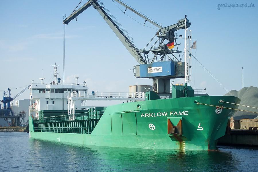 WILHELMSHAVEN NORDHAFEN: Frachtschiff ARKLOW FAME (L 70 m) am Braunschweigkai