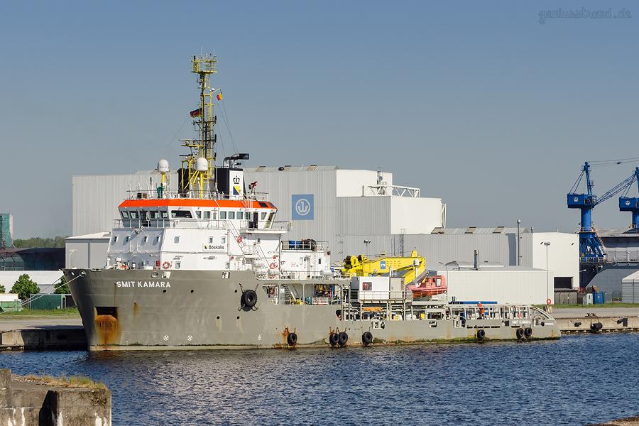 WILHELMSHAVEN HANNOVERKAI: Anchor Handling Tug Supply (AHTS) SMIT KAMARA (L 71 m)