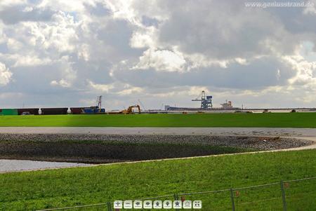 Jadeweserport Gleisbaustelle hinter dem Norddamm
