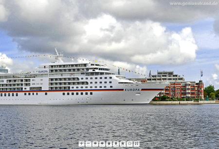 Kreuzfahrtschiff MS Europa in Wilhelmshaven 180 Grad Panoramabild