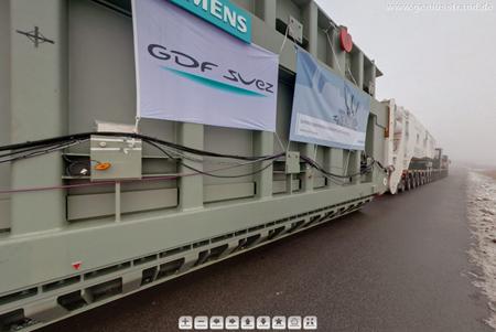 Dezember 2010 - Schwertransportfahrzeug am Niedersachsendamm