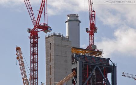 Die Kraftwerksbaustelle in Wilhelmshaven - Hintergrundbild - Bauarbeiten in luftiger Höhe