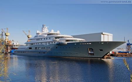 "Giga-Yacht ""Radiant"" (Projektname Darius) - Hintergrundbild"