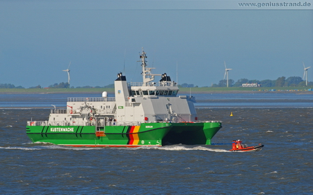 Hintergrundbild – SWATH-Zollkreuzer Borkum mit Tochterboot