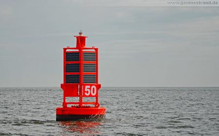 Hintergrundbild – Tonne 50 im Jadefahrwasser Wilhelmshaven