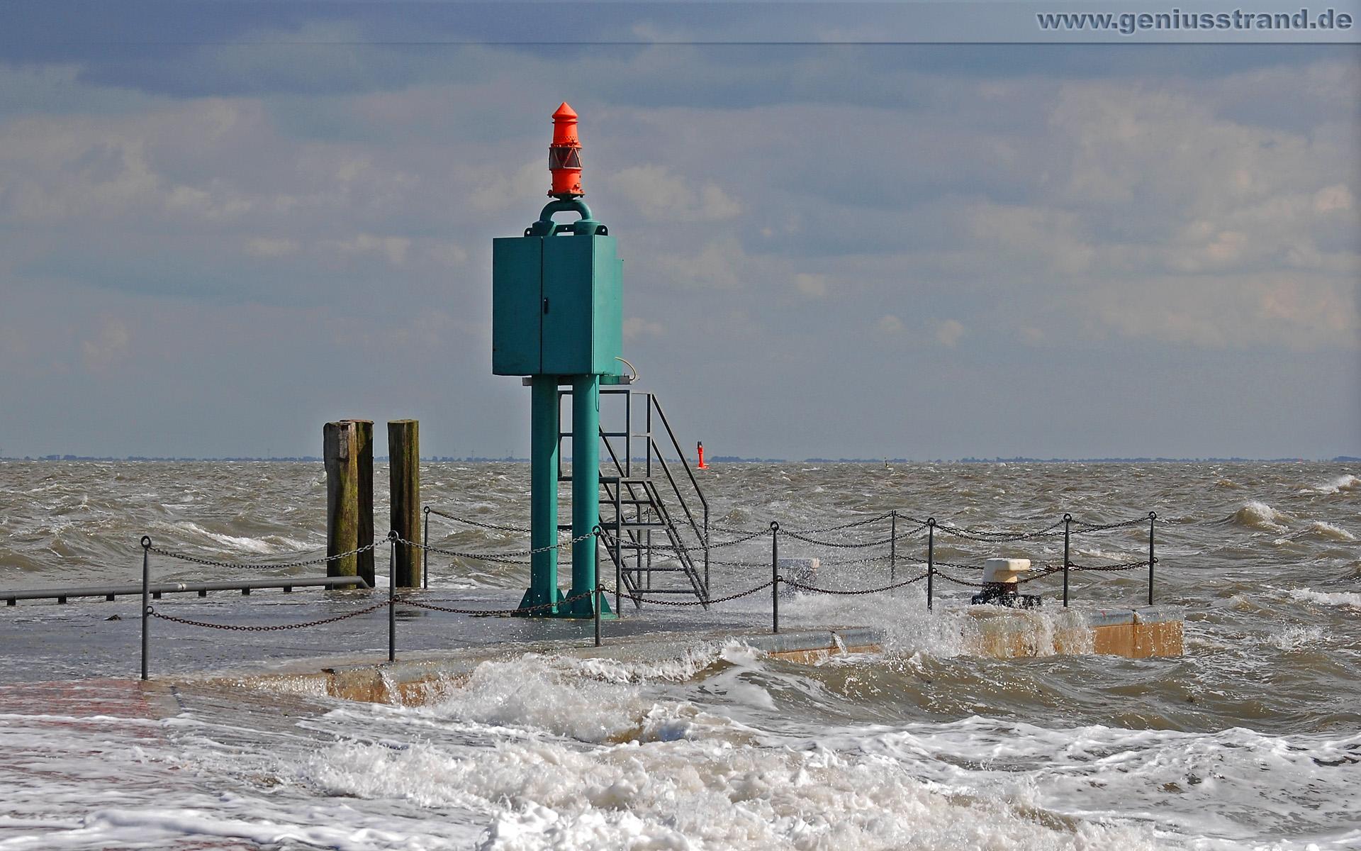 Hintergrundbild – Mole am Helgolandkai in Wilhelmshaven