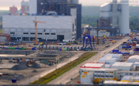 Hintergrundbild Kraftwerksbaustelle GDF Suez Rüstersieler Groden - Tilt-Shift-Aufnahme