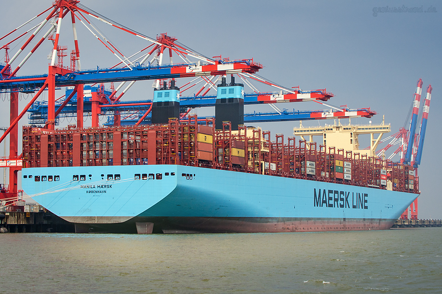 SHIPSPOTTER WILHELMSHAVEN: Triple-E-Class MANILA MAERSK (L 399 m), Maiden Voyage