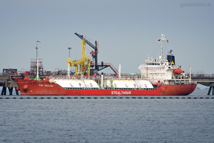 VYNOVA TANKERLÖSCHBRÜCKE WILHELMSHAVEN: LPG-Tanker GAS TEXIANA (L 105 m)