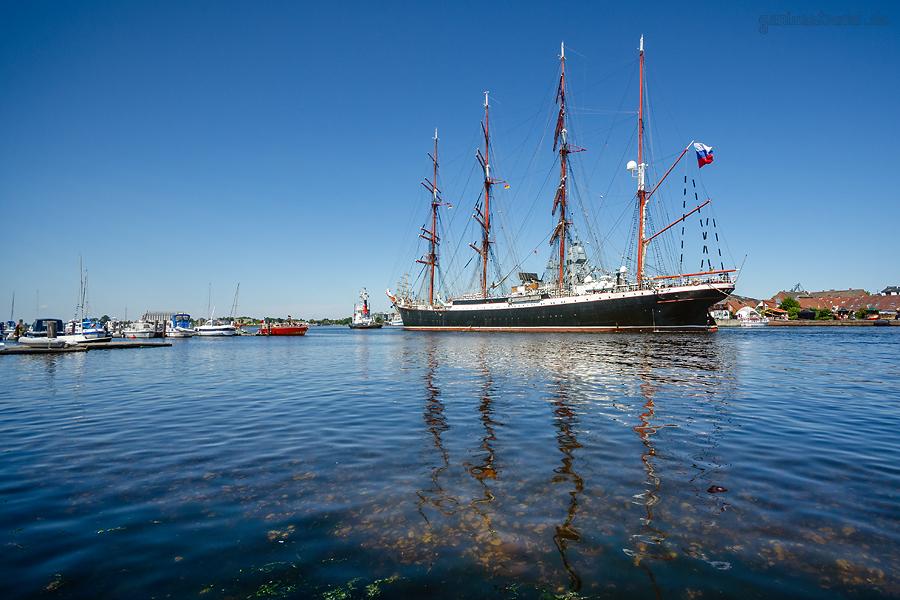 WOCHENENDE AN DER JADE 2018: Russisches Segelschulschiff SEDOV (L 118 m) in Wilhelmshaven
