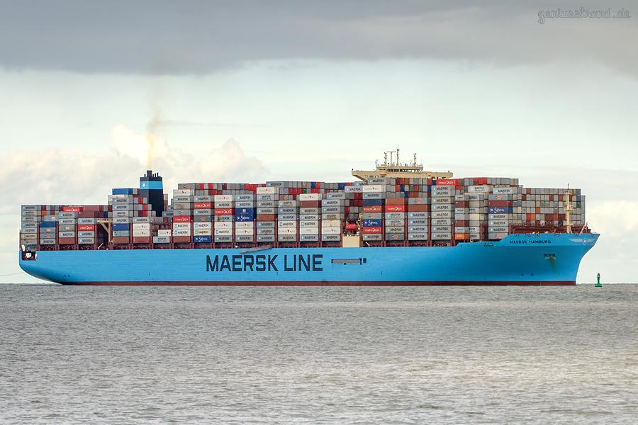 SCHIFFSANKÜNFTE JADEWESERPORT: Containerschiff MAERSK HAMBURG (L 353 m), Erstanlauf am JWP