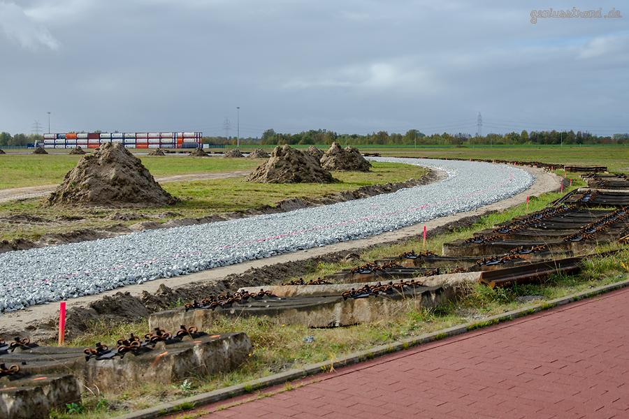 GLEISBAUSTELLE JADEWESERPORT: Gleisanbindung des nördlichen Güterverkehrszentrums (GVZ)