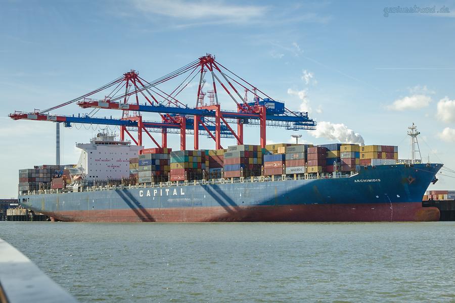 JADEWESERPORT: Containerschiff ARCHIMIDIS am Container Terminal Wilhelmshaven (CTW)