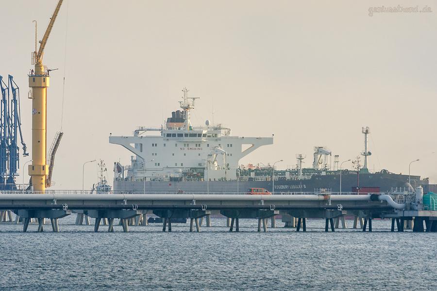 Schiffsankunft Wilhelmshaven: Tanker RIDGEBURY LESSLEY B macht an der NWO-Löschbrücke fest
