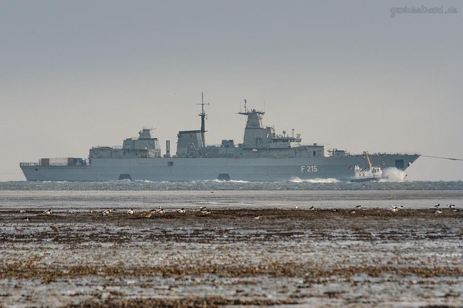WILHELMSHAVEN: Fregatte BRANDENBURG (F 215) aus der Werft zurück