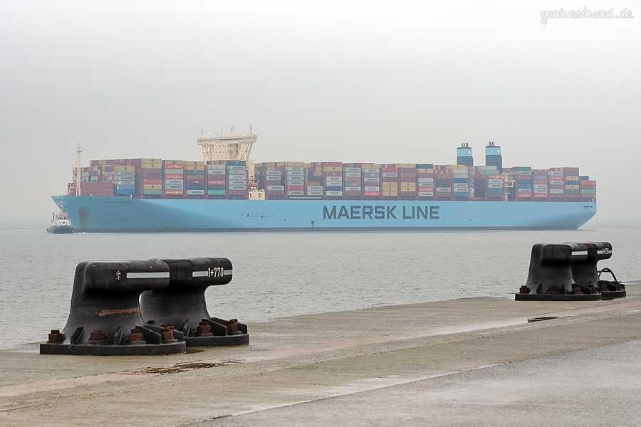 JADEWESERPORT Schiffsabfahrten: Triple-E-Class MOSCOW MAERSK outbound