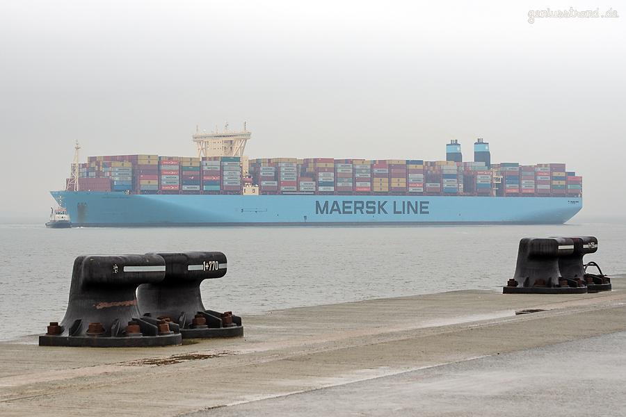 JADEWESERPORT Schiffsabfahrten: Triple-E-Class MOSCOW MAERSK outbound