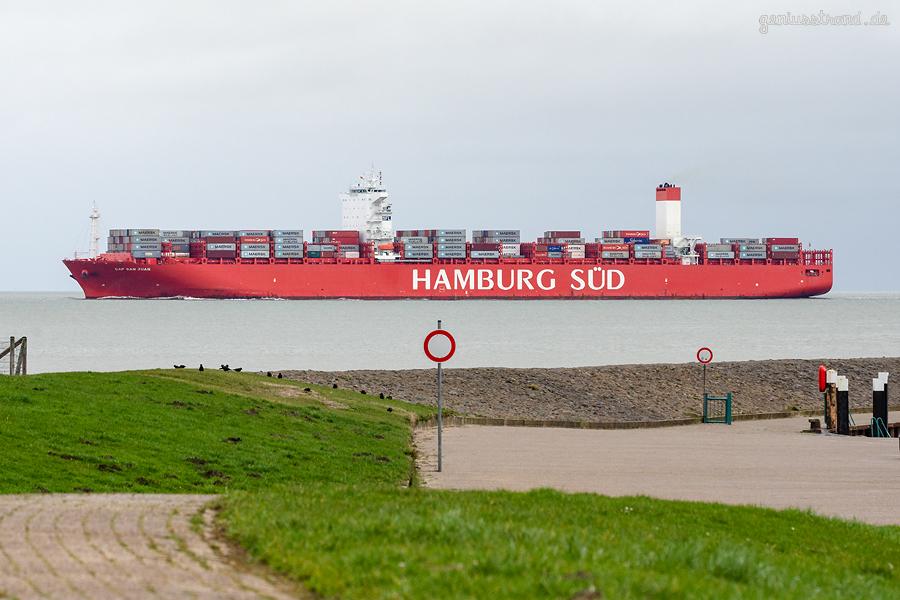 Containerschiff CAP SAN JUAN kommend vom JADEWESERPORT