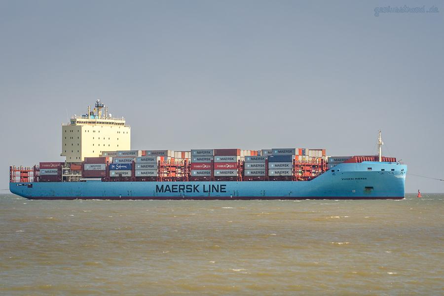 Schiffsankünfte Jade-Weser-Port: Containerschiff VUOKSI MAERSK einlaufend