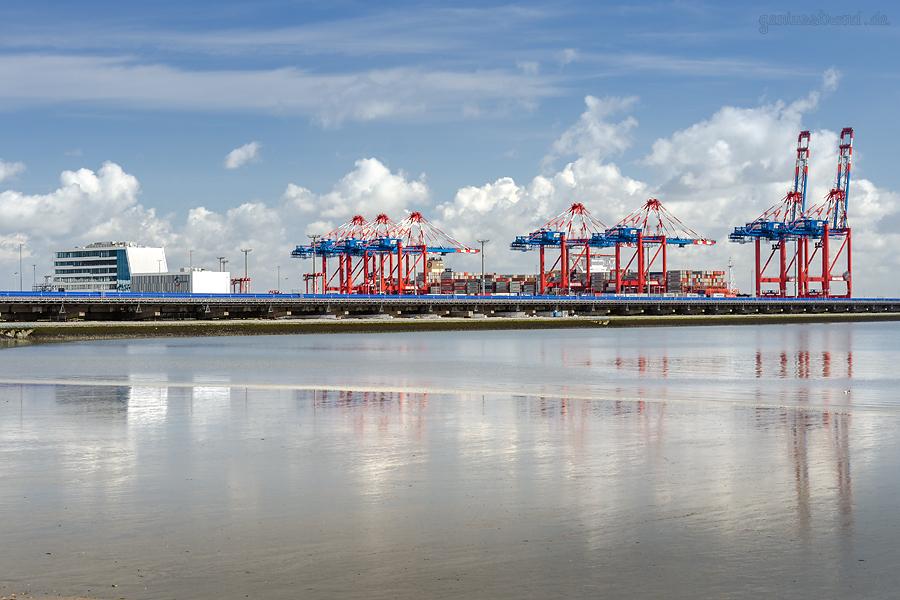 Schiffsankünfte JadeWeserPort: Containerschiff MSC MIRJA am Containerterminal