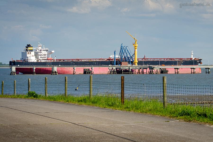 ÖLHAFEN WILHELMSHAVEN: Tanker TAMARA am NWO-Anleger Nr. 4
