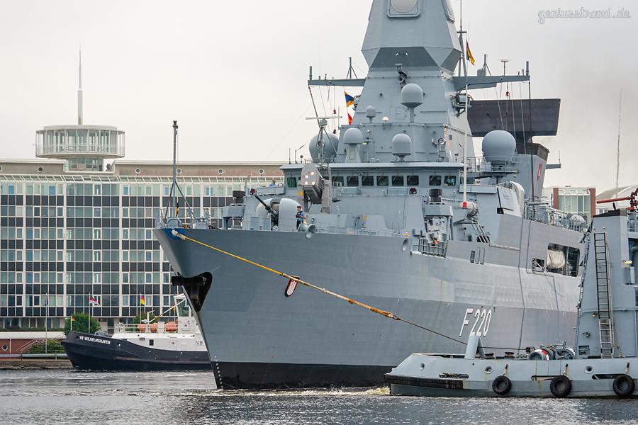 WILHELMSHAVEN: Fregatte HAMBURG fährt die Entmagnetisierungschleife ab