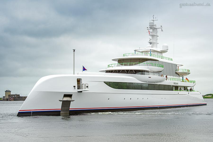 WILHELMSHAVEN: Luxusyacht EXCELLENCE auf Werfterprobungsfahrt
