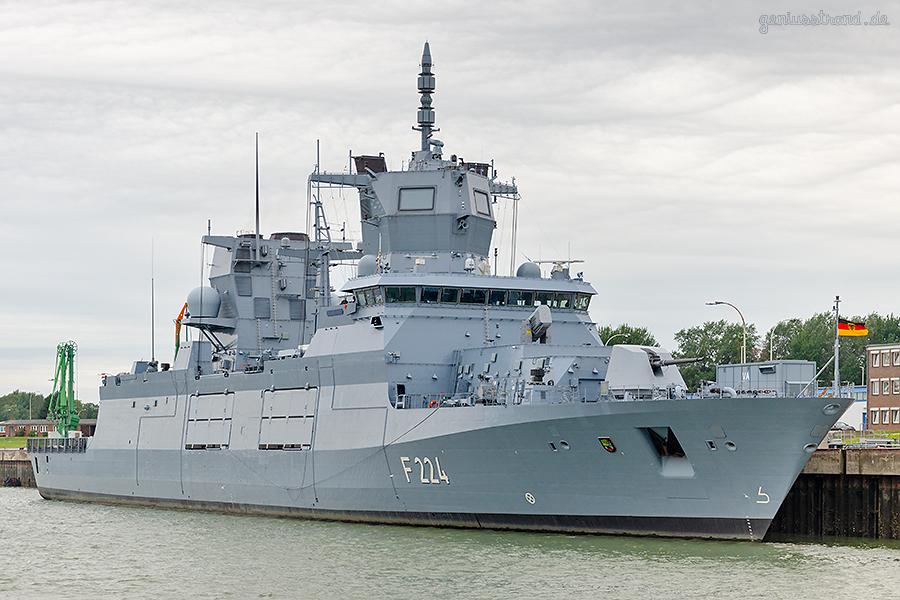 Fregatte SACHSEN-ANHALT (F 224) in ihrem Heimathafen