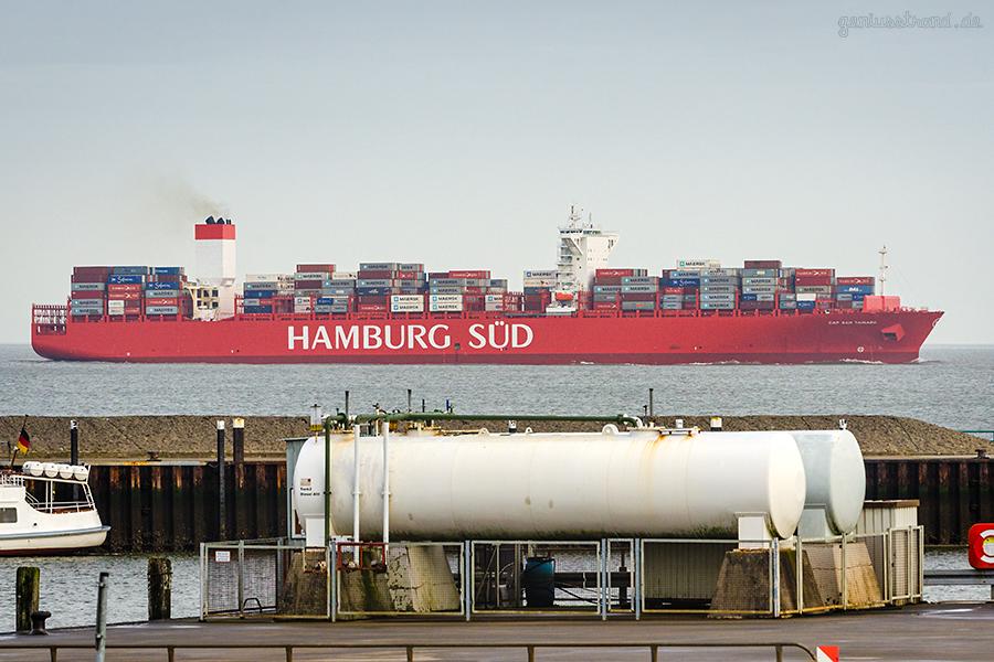 SCHIFFSANKÜNFTE JADEWESERPORT: Containerschiff CAP SAN TAINARO (Hamburg Süd)