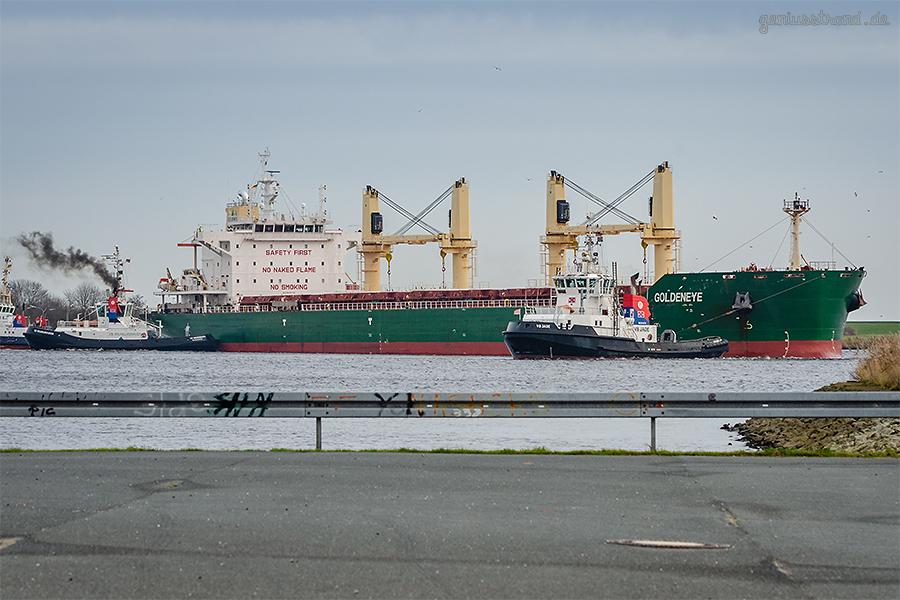 WILHELMSHAVEN NORHAFEN: Bulk Carrier GOLDENEYE mit Maschinenschaden