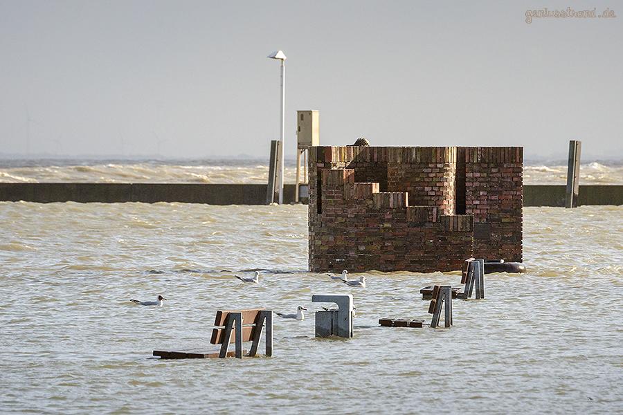WILHELMSHAVEN STURMFLUT: Die Windsbraut bekommt nasse Füße