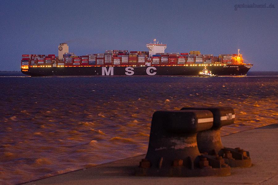 JADEWESERPORT SCHIFFSANKÜNFTE: Containerschiff MSC RIFAYA beim Erstanlauf
